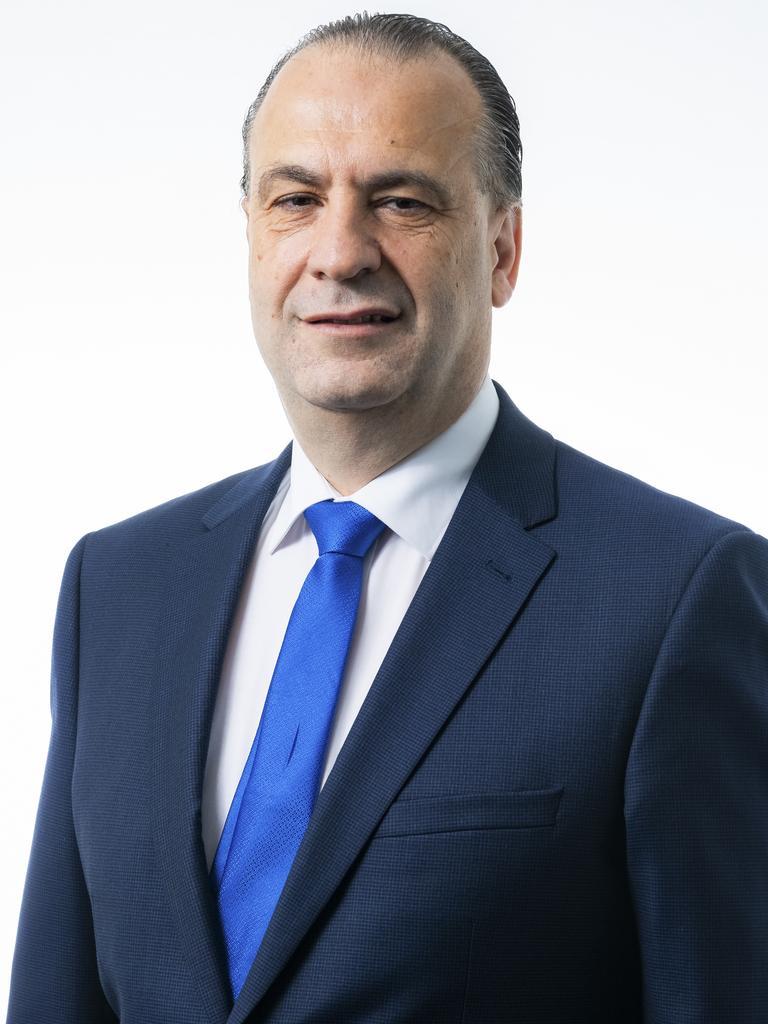 Peter V'landys