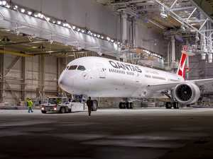 Qantas makes history with epic non-stop flight