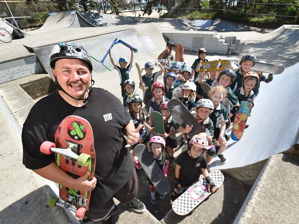 Local instructor Dave Fisher and 80 youngsters at the Dicky Beach Skate Park last year, protesting against rumours of it being relocated.