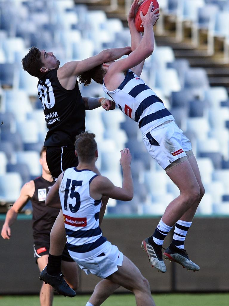 Wylie Buzza takes a strong mark for Geelong in the VFL.