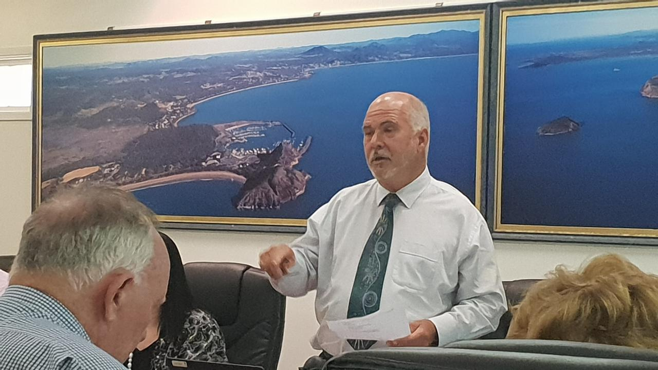 It was meant to be a simple matter but it proved anything but at Tuesday's Livingstone Shire Council meeting.