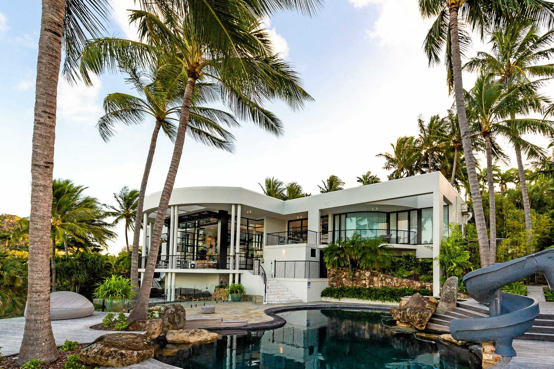 Coastal Edge Constructions won the catagory, Home Renovation/Remodelling Project over $1 million, at the Master Builders Housing & Construction Awards 2019 with the entry The Whitehouse on Hamilton Island.