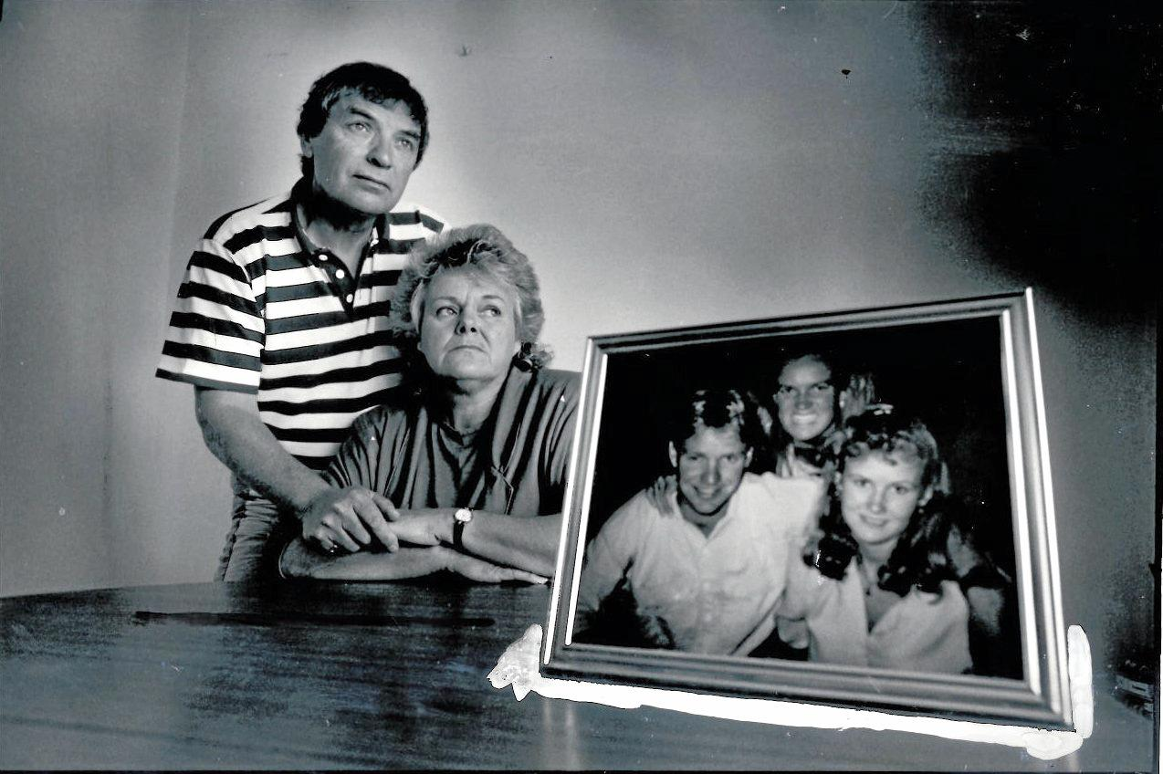 Grafton Bus Crash.   Colin & Angela Ormesher with picture l-r Son Gavin Ormesher, daughter Janine Ormesher & Vicky Lea McGrath ( Gavin's Fiancee ) Picture taken 19/10/90 by Patrick Hamilton