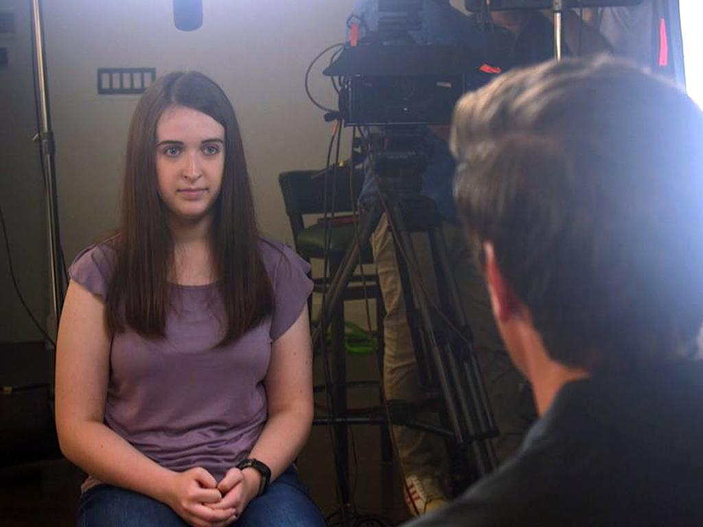Payton Leutner, left, is interviewed by ABC's David Muir. Picture: ABC News via AP