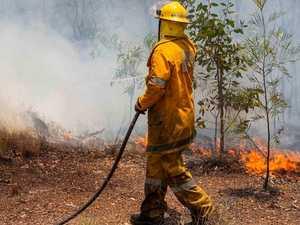 BREAKING: Grass fire blankets rural road in smoke