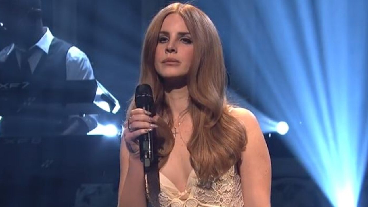 Lana Del Rey was slammed for her SNL performance, with many calling her