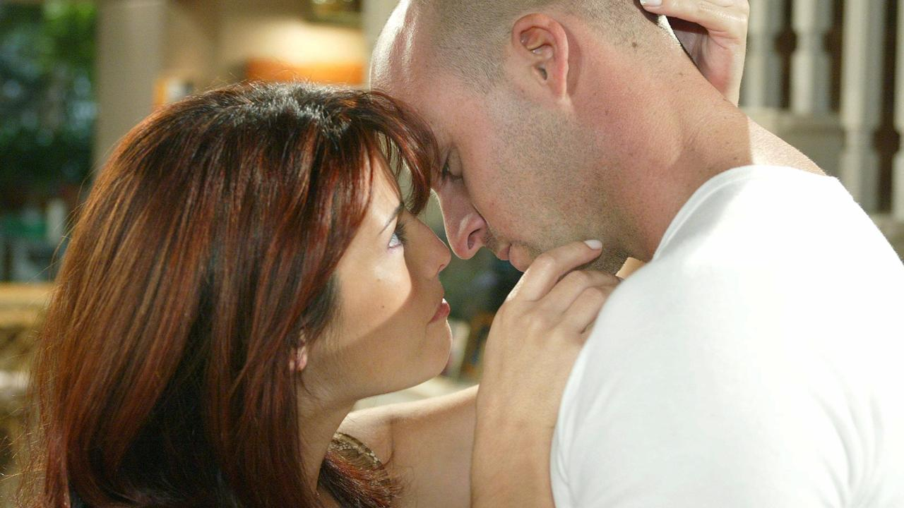 Unwin with Ada Nicodemou in Home And Away.