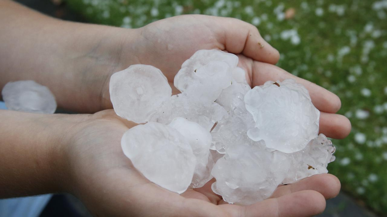 The Bureau of Meteorology has issued a severe storm warning for the Wide Bay and Burnett districts.