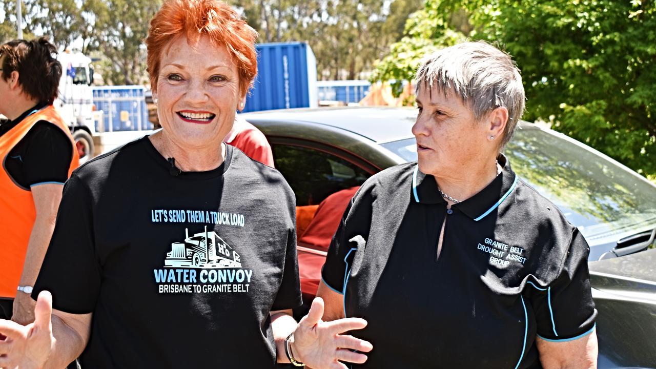 Pauline Hanson and Granite Belt Drought Assist's Glenda Riley.