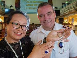 Woman gives $835,000 necklace and ring to homeless charity