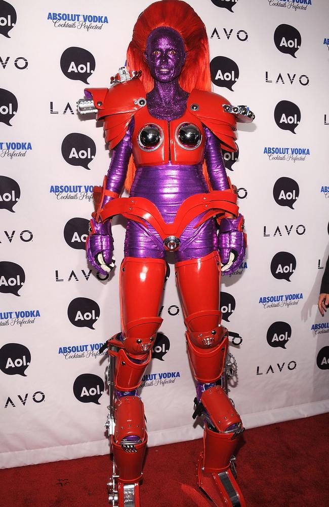 Yes, that terrifying purple robot is Heidi Klum sans-toenails. Picture: Getty Images.
