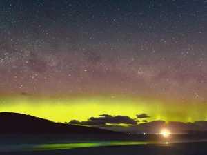 Stunning time-lapse of aurora australis