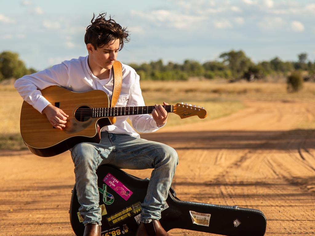 ASPIRING: Young country singer-songwriter Mitch Rolfe.