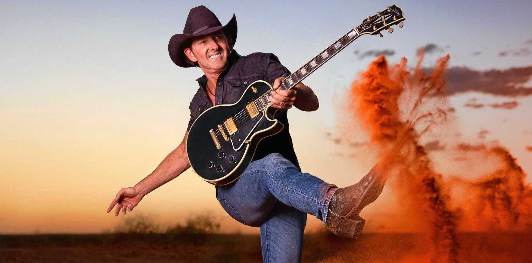 ON THE ROAD AGAIN: Lee Kernaghan heads to Twin Towns in November.