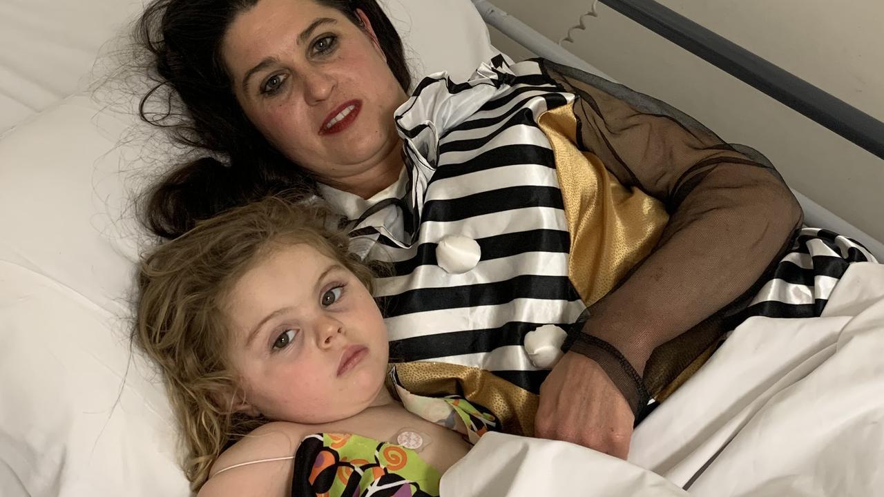 Tara Robe and daughter Abby van der Spuy, 3, in hospital.
