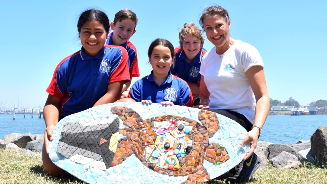 Ten Little Pieces founder Alison Foley with Eudlo State School students Mereana Saseve, Ruben Coombs, Oliver Rogers and Kyra Stewart, all aged 10. Photo: Ashley Carter