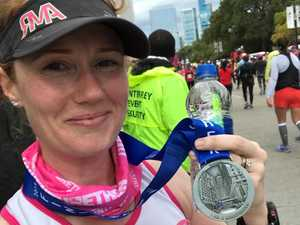 Injuries and a double pram: Mum conquers Chicago