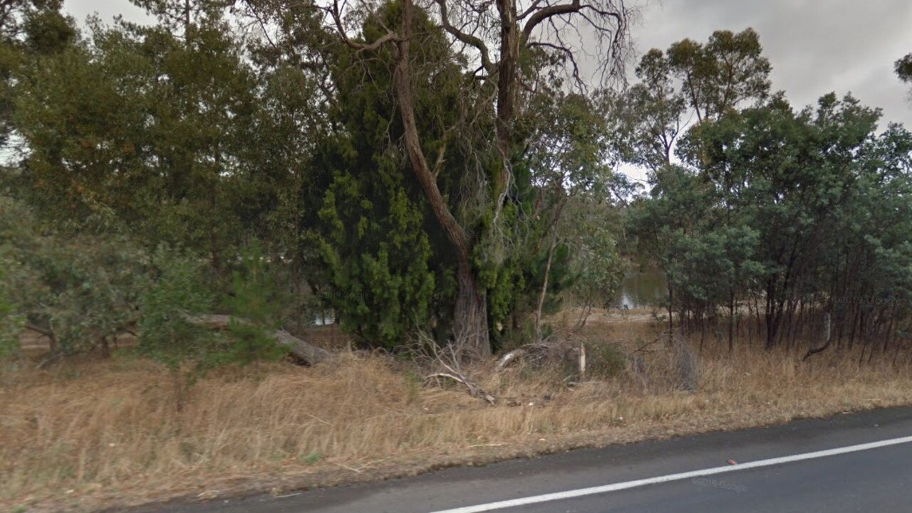 A good Samaritan and a courageous cop pulled an elderly couple from O'Keefes dam in Creswick,