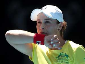 'Scintillating' Barty stuns record crowd
