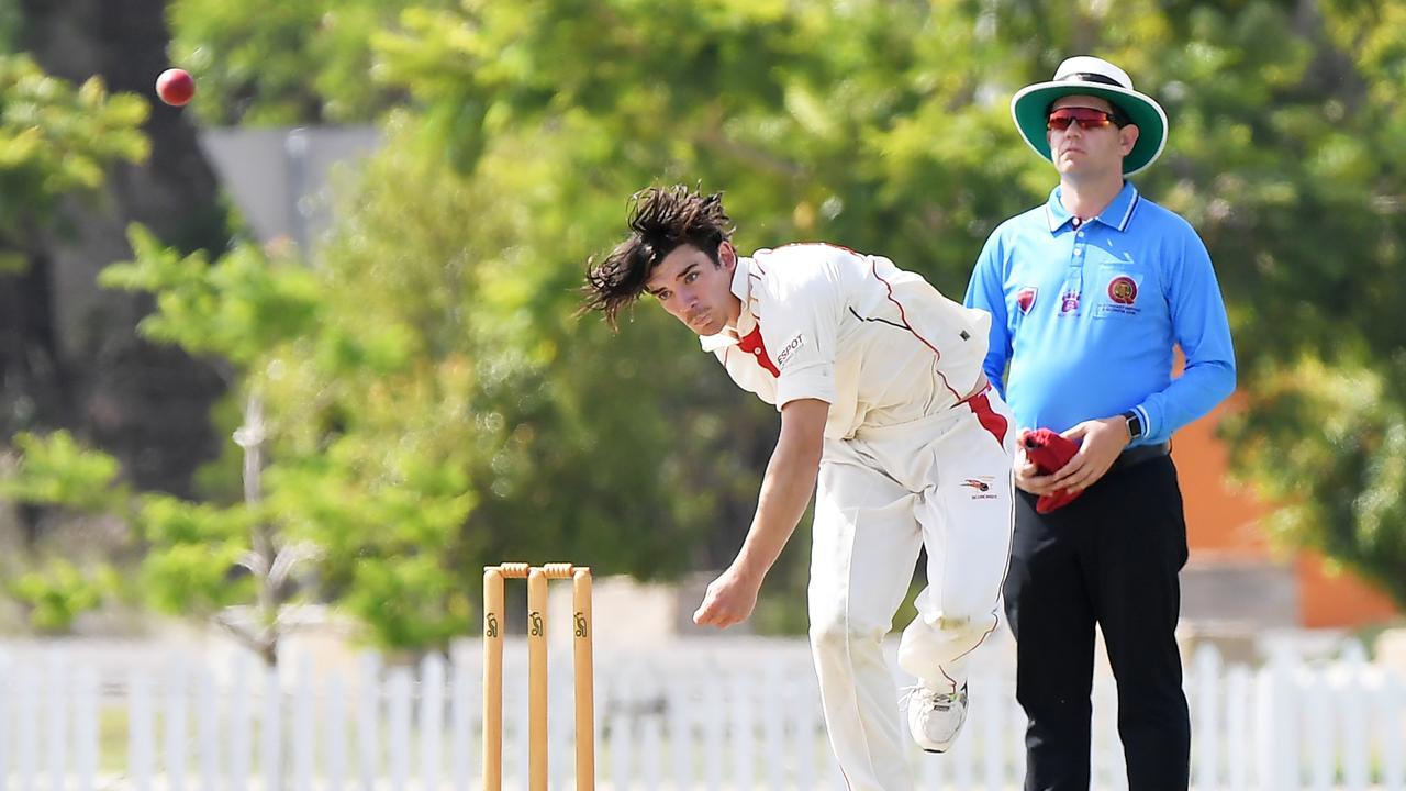 TOILING: Scorchers fast bowler Tommy Oslen. Photo: Patrick Woods/Sunshine Coast Daily.