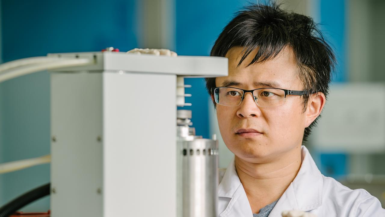 ECO: Dr Hong from the University of Southern Queensland has received a $400,000 grant to revolutionise the renewables industry.
