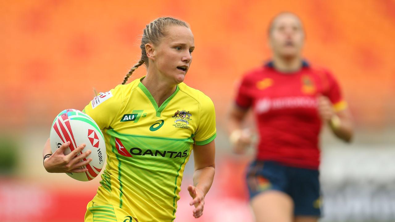 Coast product Emma Sykes playing for Australia at the 2019 Sydney HSBC Sevens. Photo: Jason McCawley/Getty Images