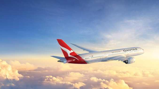 Qantas lands groundbreaking flight