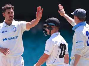 Starc should be hungry for wickets: Hughes
