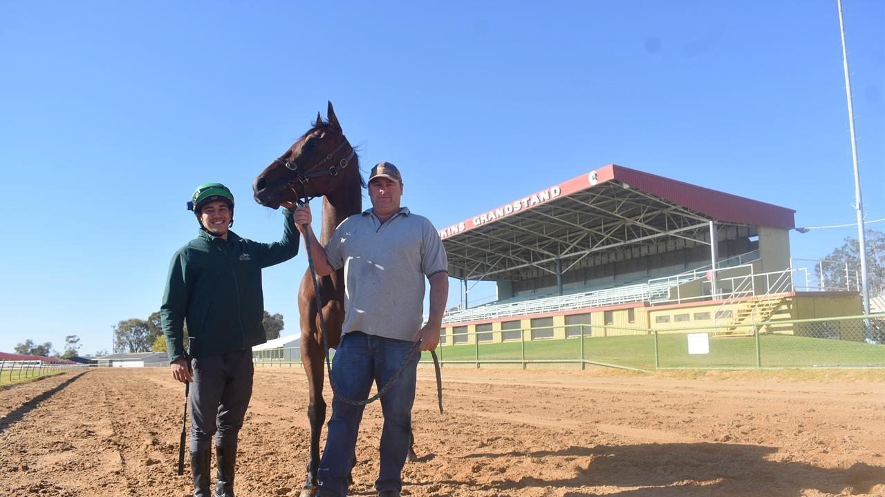 Jockey Daniel McGillivray, Cape Wickham, and trainer Scott Rogers.