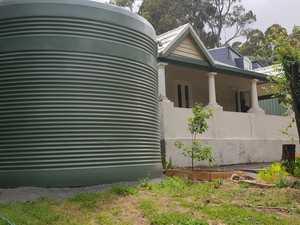 Aussie neighbours feud over 'monstrosity' in yard