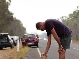 Heartbreaking: Kids wait on side of road