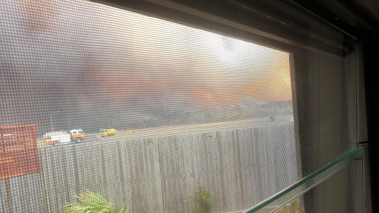 Kinkuna Waters resident Mike Dean's footage of the Woodgate fires.