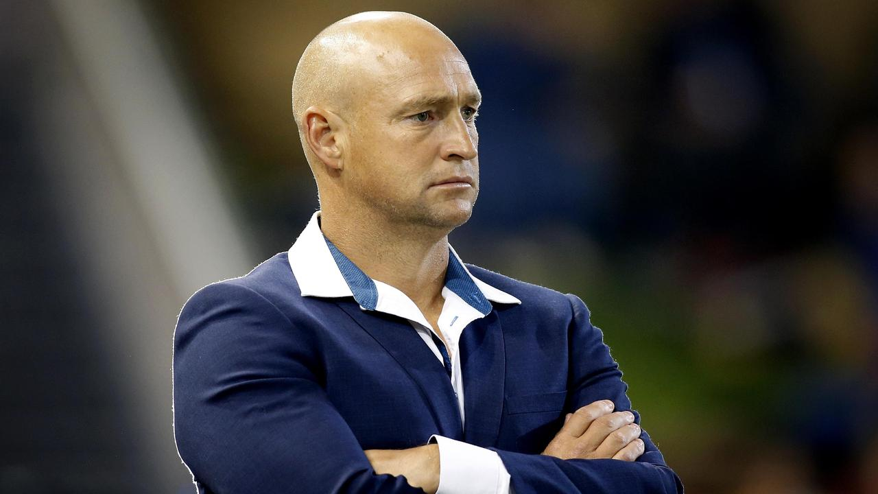 Former Knights coach Nathan Brown has signed with the Warriors as an assistant.