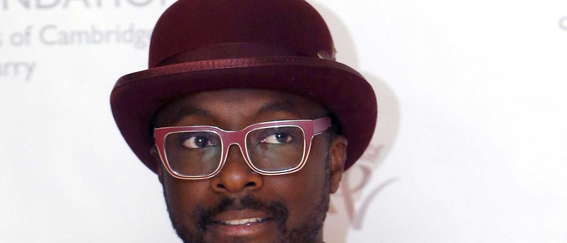 Hip hop icon will.i.am has accused an experienced Qantas flight attendant of racism after an incident on a flight where police were called.