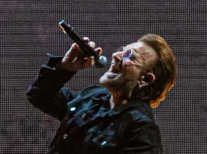 Bono stands with Aussie journos over press freedom