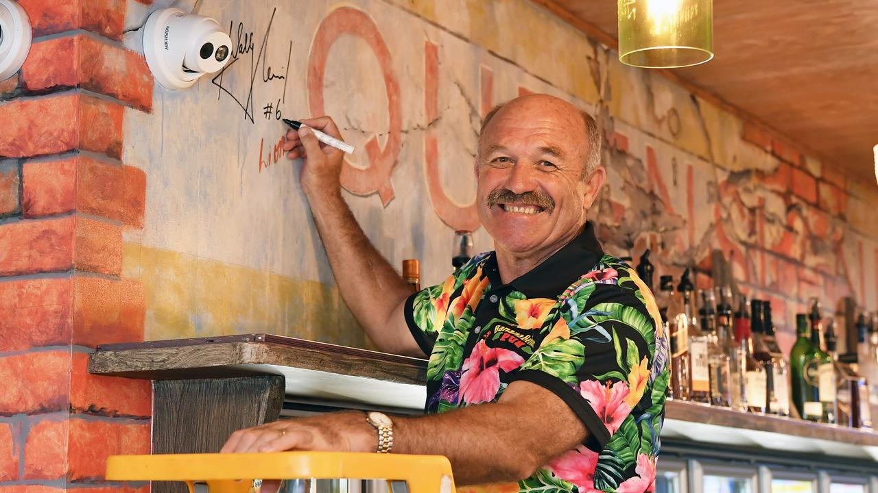Official opening of the Banana Bender Pub, Palmview. Wally Lewis. Photo Patrick Woods / Sunshine Coast Daily.