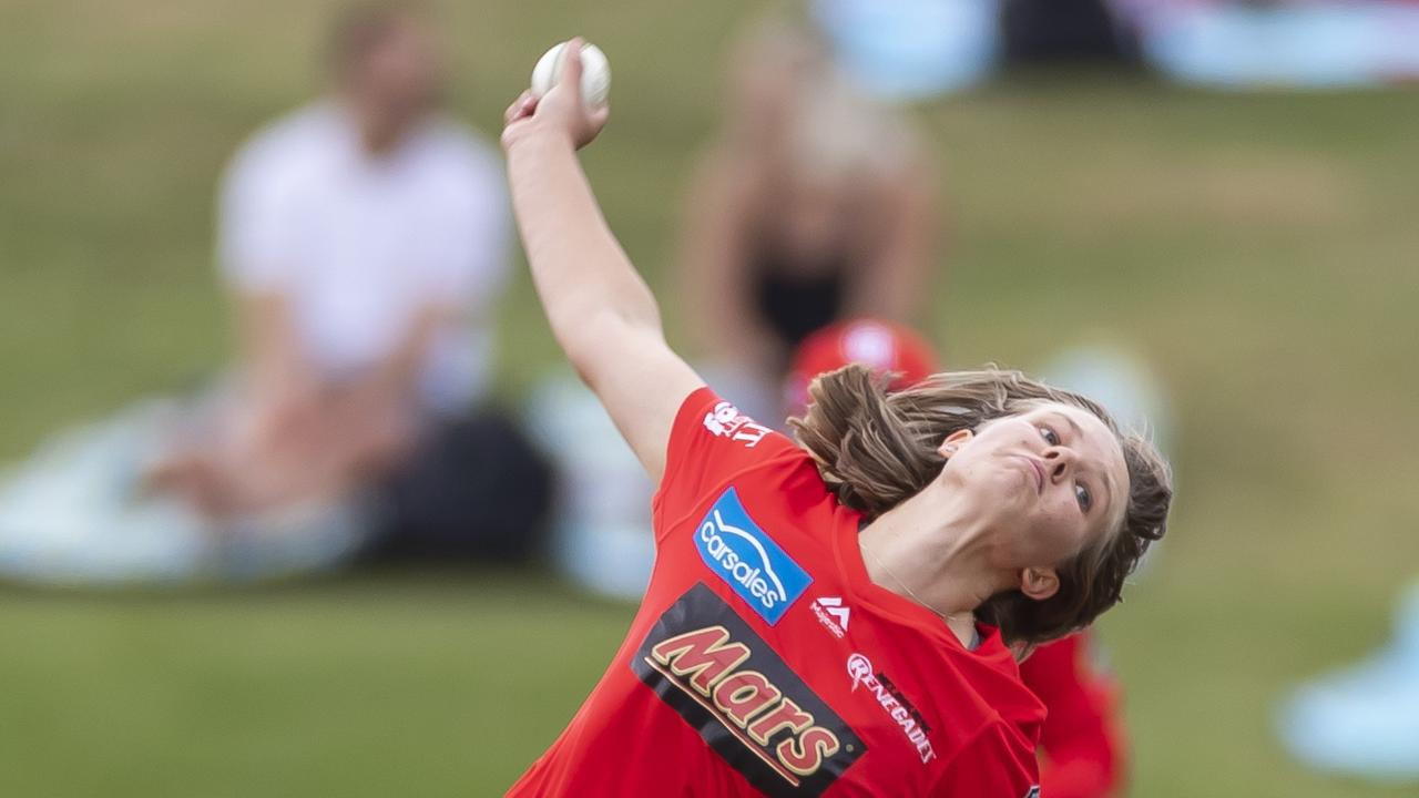 Carly Leeson of the Renegades bowls during the Women's Big Bash League (WBBL) match between the Sydney Sixers and the Melbourne Renegades at Drummoyne Oval in Sydney last Sunday. (AAP Image/Craig Golding)