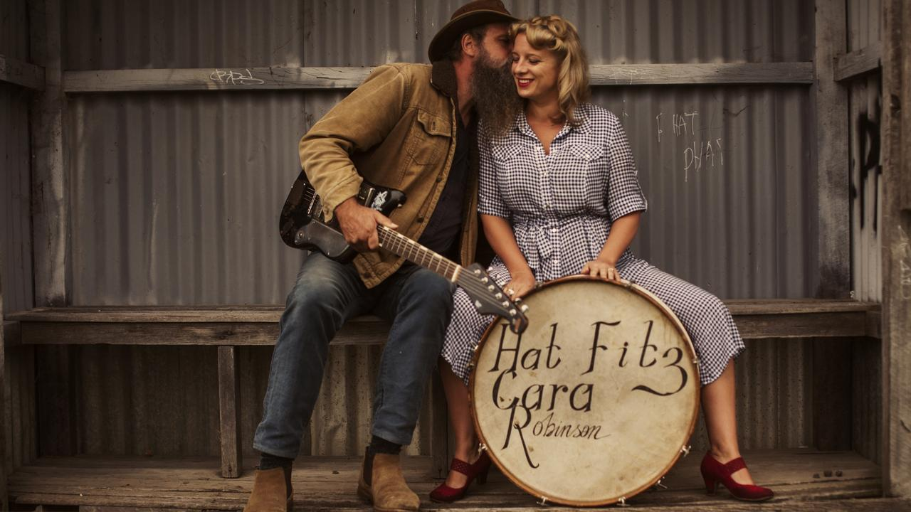 Aussie duo Hat Fitz and Cara will perform at this year's Festival of Small Halls Summer Tour in Kalpowar.