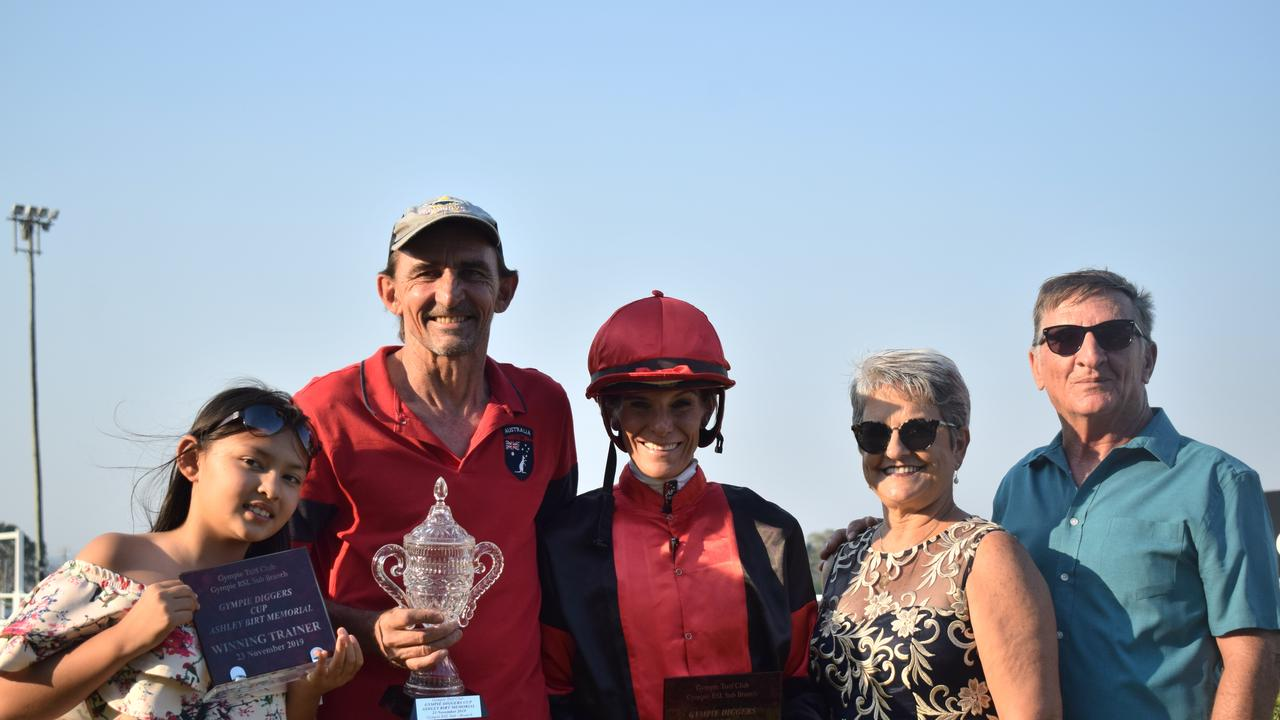 RSLA Diggers Cup Day 2019 – Casey Gough, Darren Gough, Louise Dillon, Linda and Donald Burke celebrate Shinnecock's win in the RSLA Diggers Cup.