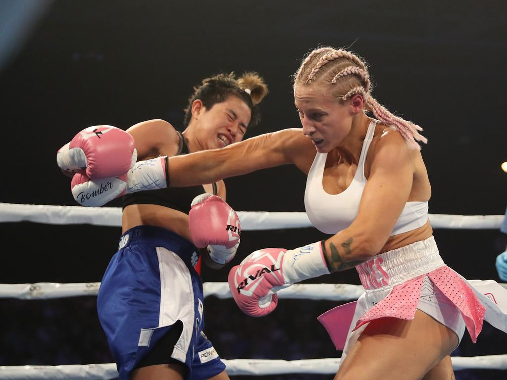 Ebanie Bridges nails Mahiecka Pareno on the Tszyu-Vassell card at Sydney's Horden Pavilion. Picture: Brett Costello