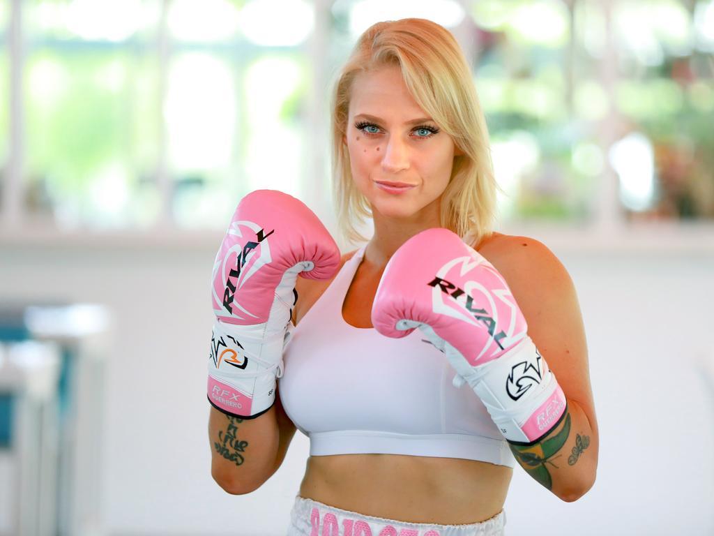 The Blonde Bomber poses ahead of her pro debut in February. (AAP IMAGE/ Angelo Velardo)