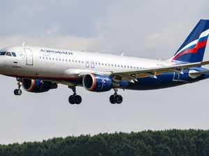 Pilot dies from heart attack during flight