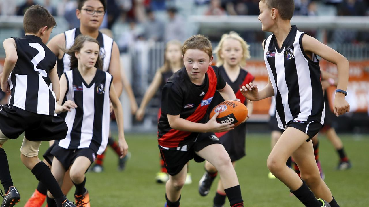 A former AFL player has slammed the league's proposal to change the length of the halftime break, which will have ramifications for Auskick matches.