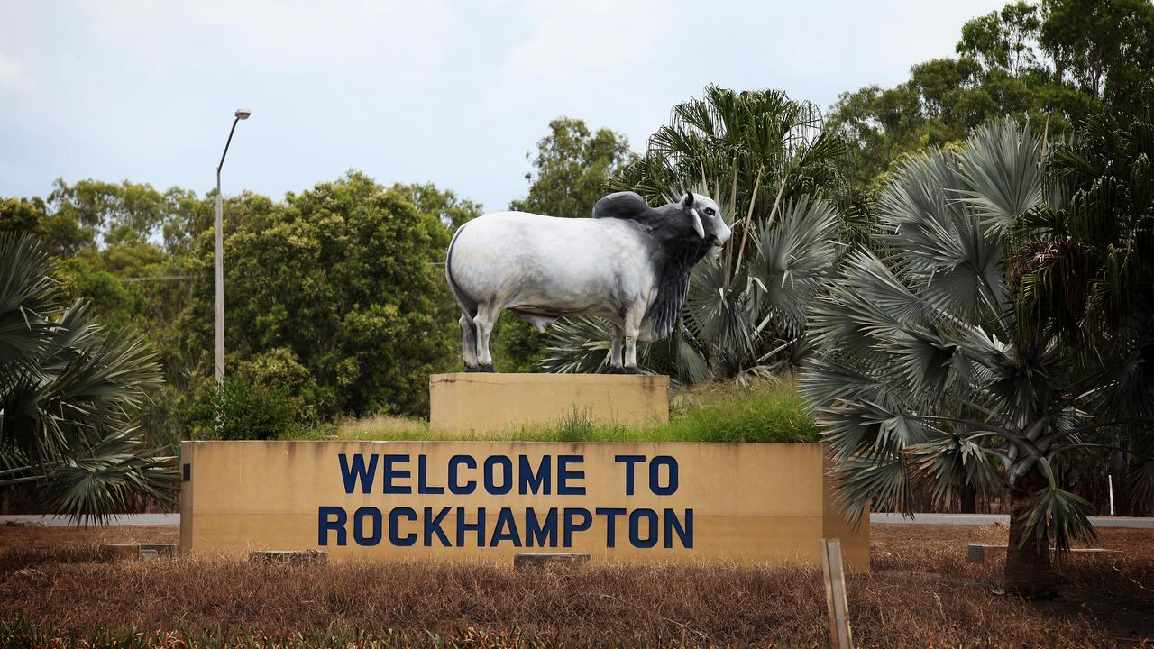 Te welcome sign has a little less water and a little more mud. Rockhampton after the flood. Photo Adam Armstrong.