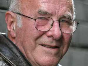 Aussie broadcaster Clive James dead at 80