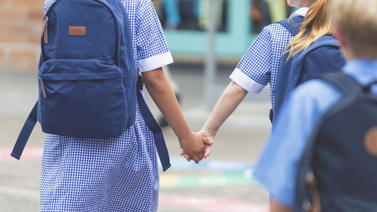 Kids at remote Queensland areas are being blocked from alteranitive schools in town when their parents travel, it has been claimed. Photo: iStock