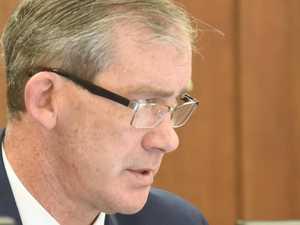Mayor gives extraordinary rebuke of council advice
