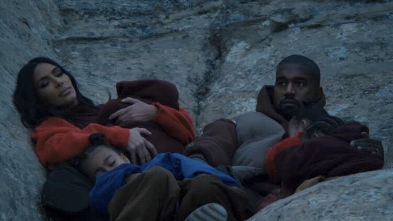 Kim, Kanye and the kids snuggle i