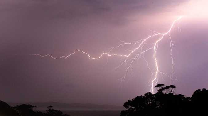 Severe thunderstorm warning issued for Darling Downs