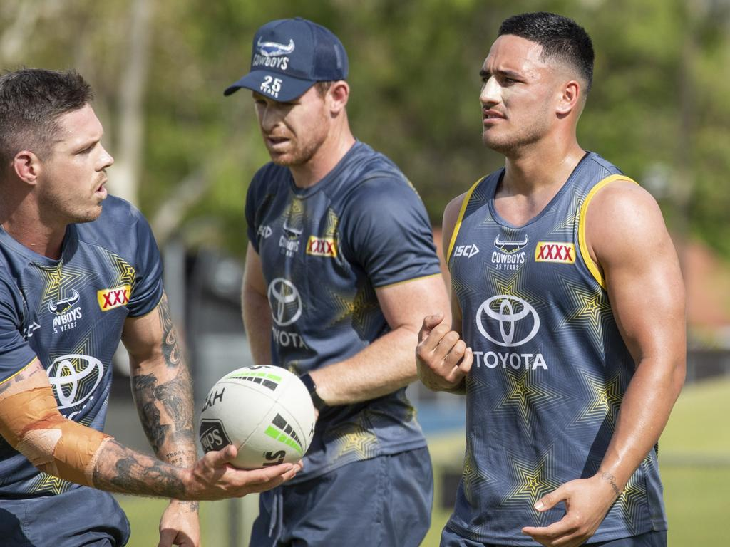 Valentine Holmes (right) training with the North Queensland Cowboys.
